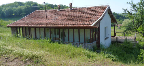 Shephards house ready to move into barn and house for sale Kardzhali near greek border makaza