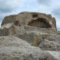 tatul-orpheus-tomb